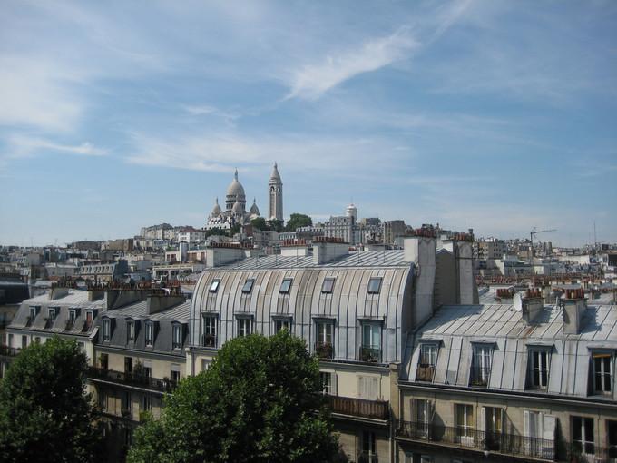 Les matériaux composant votre toiture sont parfois régis par le PLU de votre ville