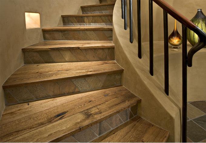 Escalier en bois.